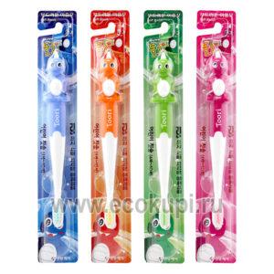 Зубная щетка cо сверхтонкой двойной щетиной средней жесткости и мягкой для детей 4-10 лет DENTAL CARE Kids Toothbrush, недорого купить зубную щетку Корея